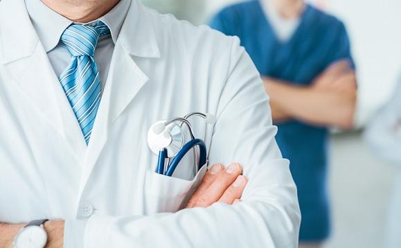 Curso na USP capacita para liderança na gestão de serviços de saúde