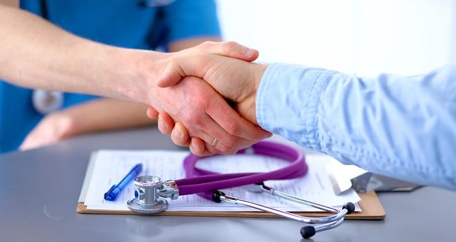 Médico que possuir vínculo com indústria deve informar Cremesp