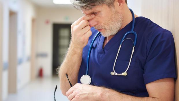 62% dos médicos acham que só haverá tratamento para Covid no fim do ano