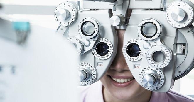 Justiça do DF proíbe optometristas de praticarem atos privativos dos médicos