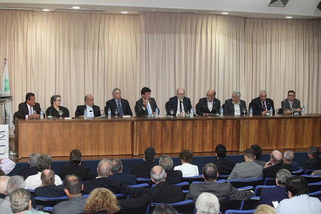 Futuro ministro e entidades médicas discutem os desafios da saúde