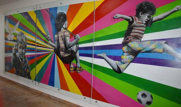 Santa Casa de BH ganha mural estilizado pelo artista Kobra