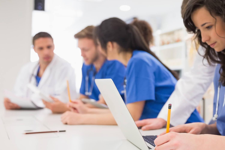 Pós-graduação médica: o que é e para que serve?