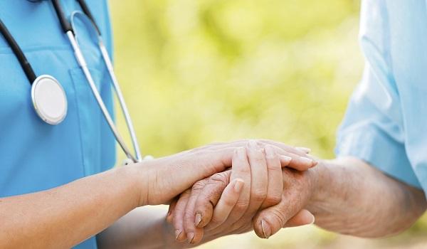 Hospital Oswaldo Cruz lança livro sobre a relação de cuidado com o paciente