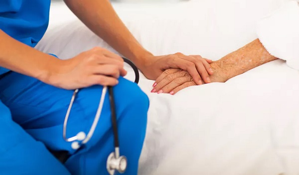 Serviço de cuidados paliativos é referência no Santa Izabel