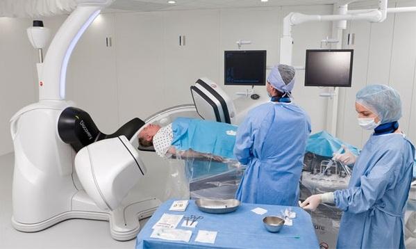 Casa de Saúde São José inaugura sala híbrida em centro cirúrgico