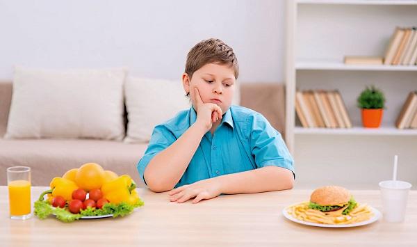 Três em cada 10 crianças atendidas pelo SUS estão acima do peso