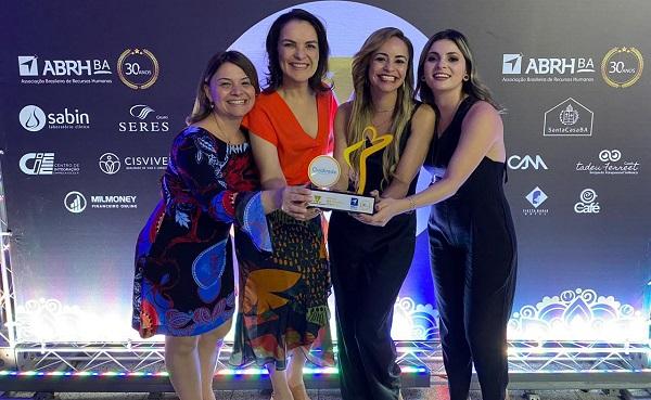 Qualirede recebe prêmio da ABRH-BA por programa de cuidado a gestantes