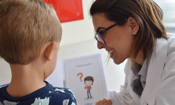 Hospital Santa Isabel elabora cartilha para orientar crianças que visitam UTI