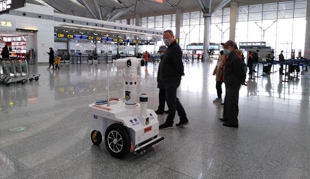 China utiliza robôs 5G que ajudam a combater o Coronavírus