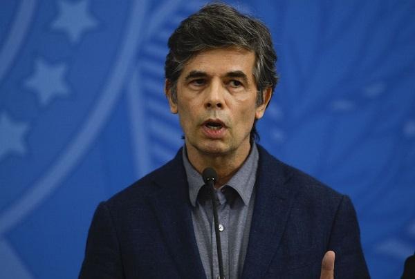 Novo ministro da Saúde quer programa de testagem para Covid-19
