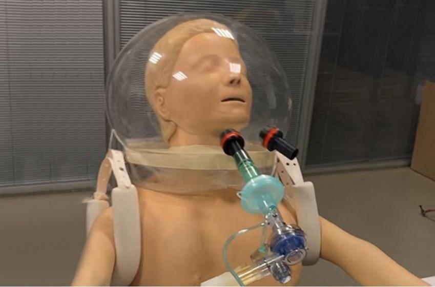 """Pesquisadores da USP desenvolvem """"capacete-respirador"""""""