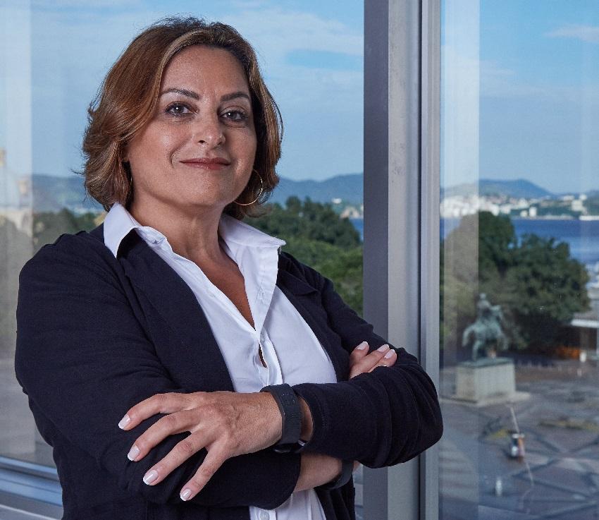 Elsevier - Claudia Toledo