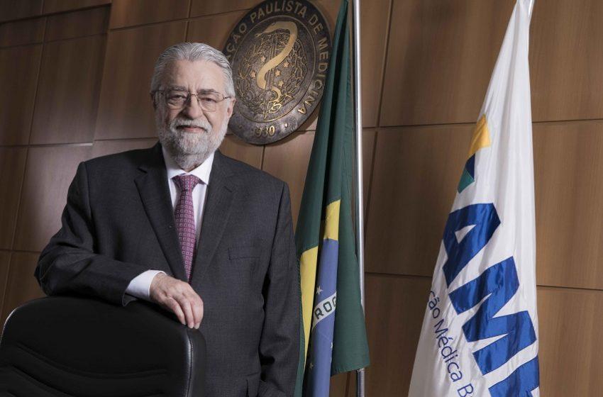 Novo presidente da AMB propõe Pacto Nacional pela Saúde