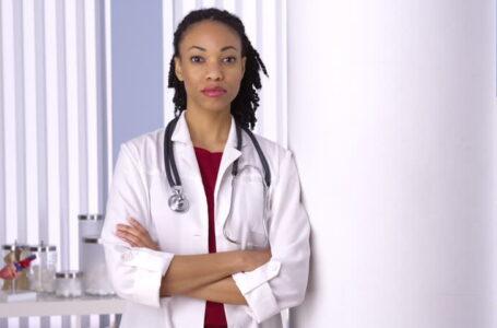 Profissionais de saúde negras relatam assédio moral durante pandemia