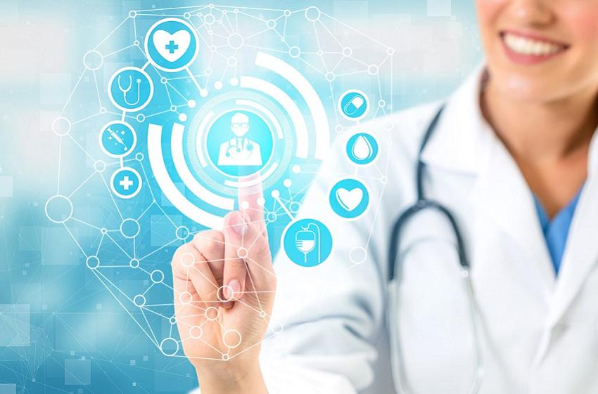 MV debate tecnologia como apoio à assistência médica