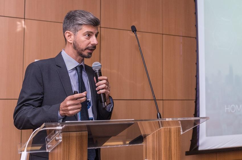 Cláudio Flauzino passa a integrar comitê da revista espanhola Hospital a Domicilio
