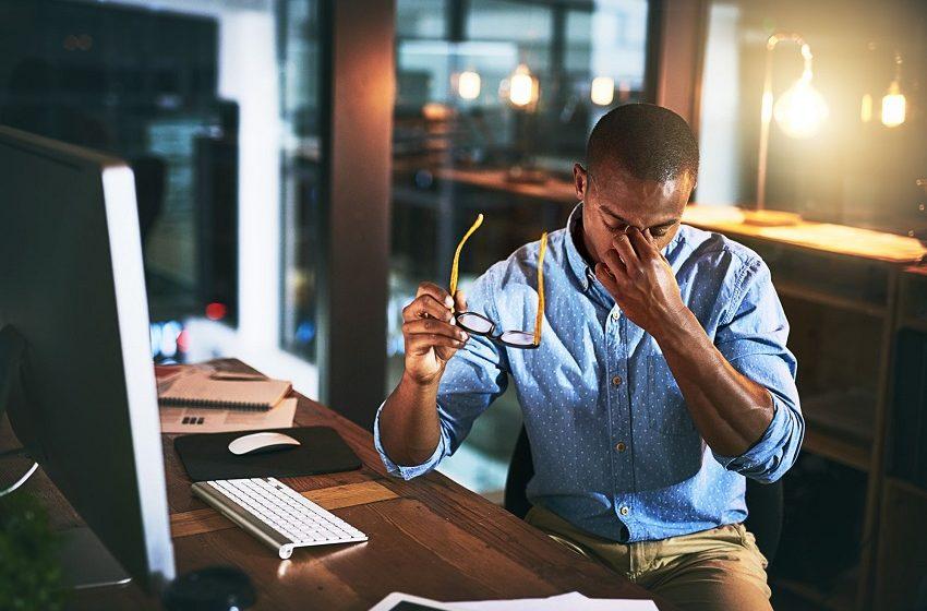 Quase 50% dos profissionais nunca falaram sobre saúde mental no trabalho