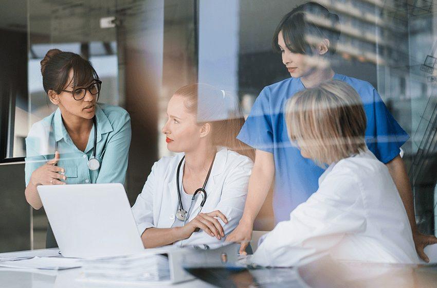 Total de pessoas empregadas na saúde cresce 2,9%